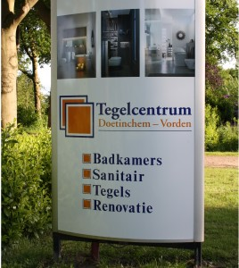 foto's showroom bord bewerkt